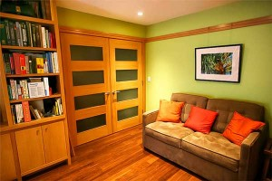 bamboo-floor-shelves