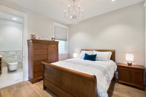 bedroom-sleigh-bed-duboce (1)