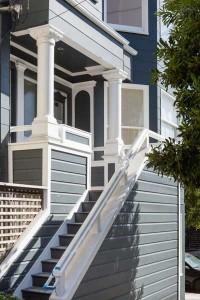 blue-house-white-column