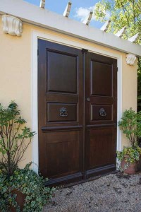 garage-doors-wooden