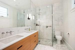 marble-bathroom-shower